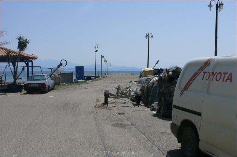 http://www.eulog.de//cee/bahn/GR/SVDE/01Krioneri-Apr2010.jpg